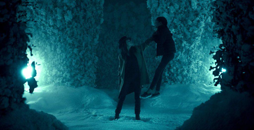 Rose the Hat (Rebecca Ferguson) traps Abra (Kyliegh Curran) in Mike Flanagan's 'Doctor Sleep' (Courtesy: Warner Bros.)