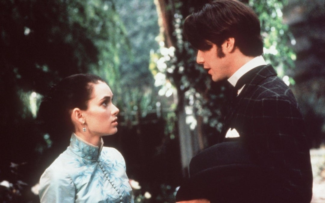 Winona Ryder Recalls How Keanu Reeves Stood Up For Her On The Set Of 'Bram Stoker's Dracula'