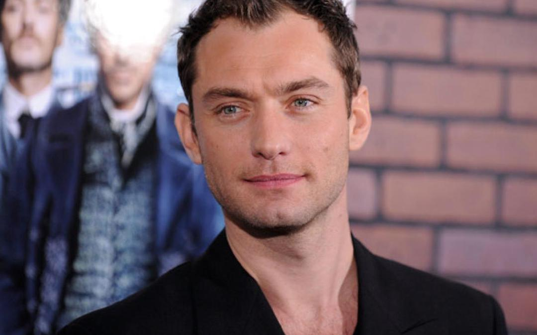Jude Law Set To Play Captain Hook In Disney's Live-Action 'Peter Pan' Movie